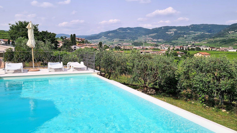 La piscina di Villa Moron